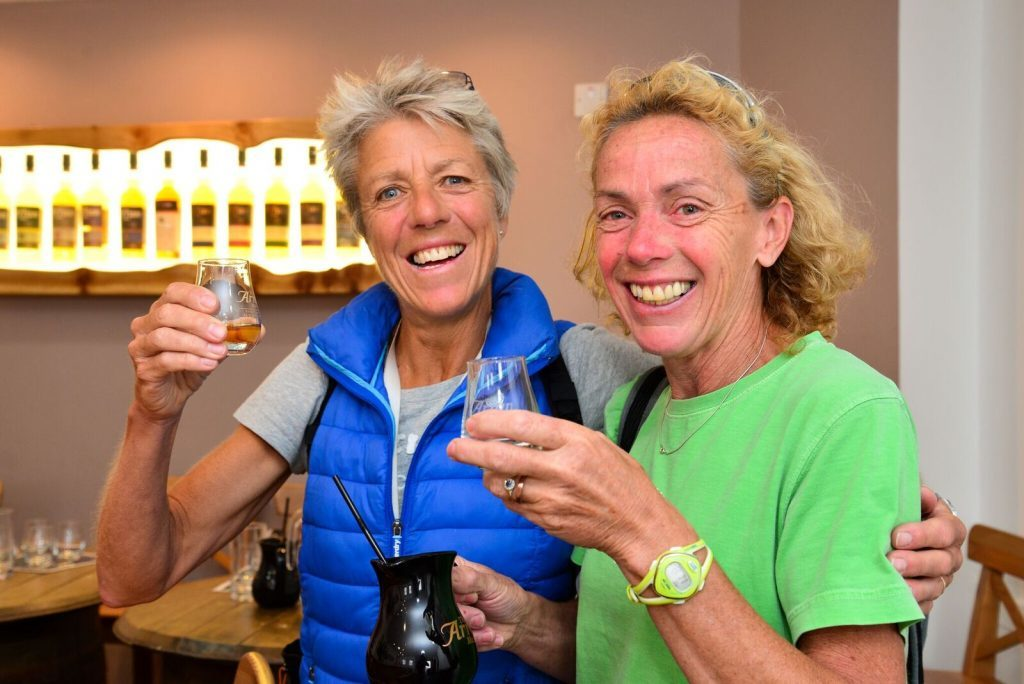 Two visitors enjoying a whisky tasting masterclass. NO_B28_malt_01