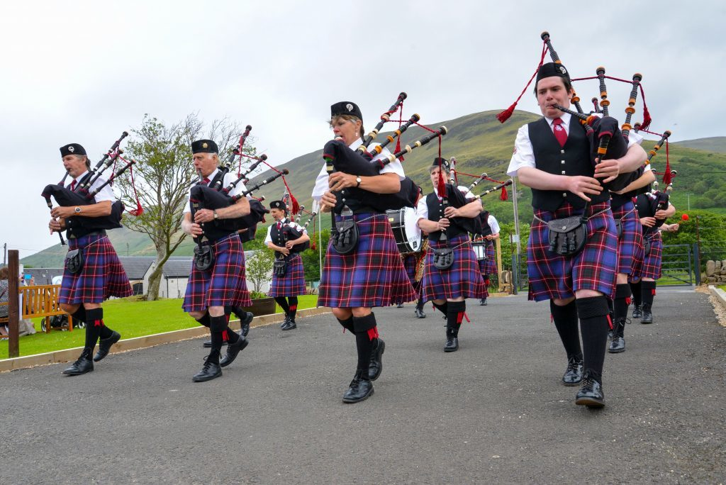 The always popular Isle of Arran Pipe Band arrive to perform. NO_B28_malt_05
