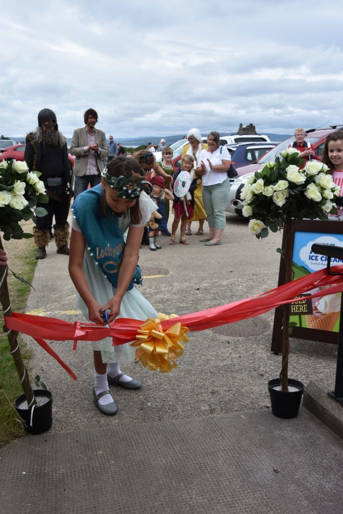 Sea Queen Daisy Innes cuts the ribbon and declares the gala day officially open.