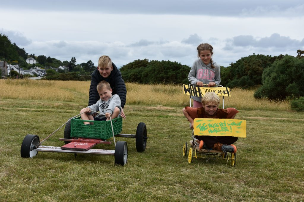 Bogie competitors Eddie and Matthew O'Neil in Bogie McBogie and Isla and Cameron Hutcheson in the Hutchy Wright Hurler.