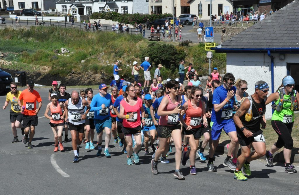 A field of 91 runners set off on the Isle of Arran half marathon at Blackwaterfoot in 2018.