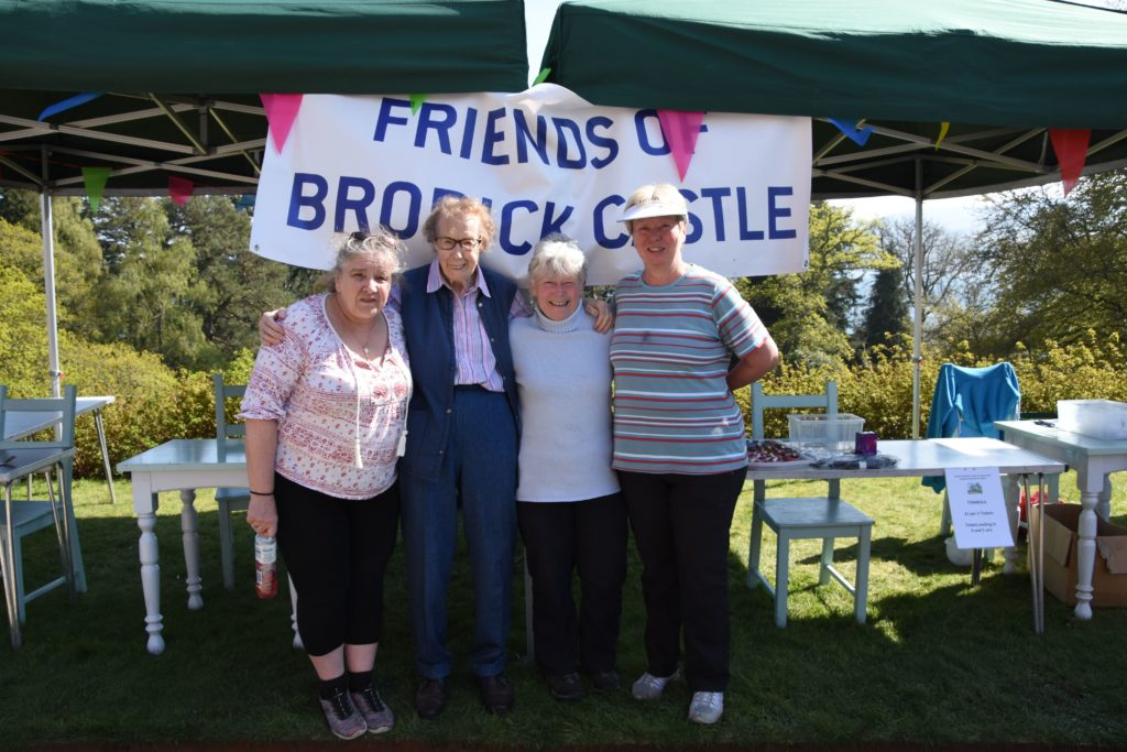 Helping with fundraising were the Friends of Brodick Castle, Linda MacCallum, Joan Stuart, Liz Rose and Lyn Mowatt.