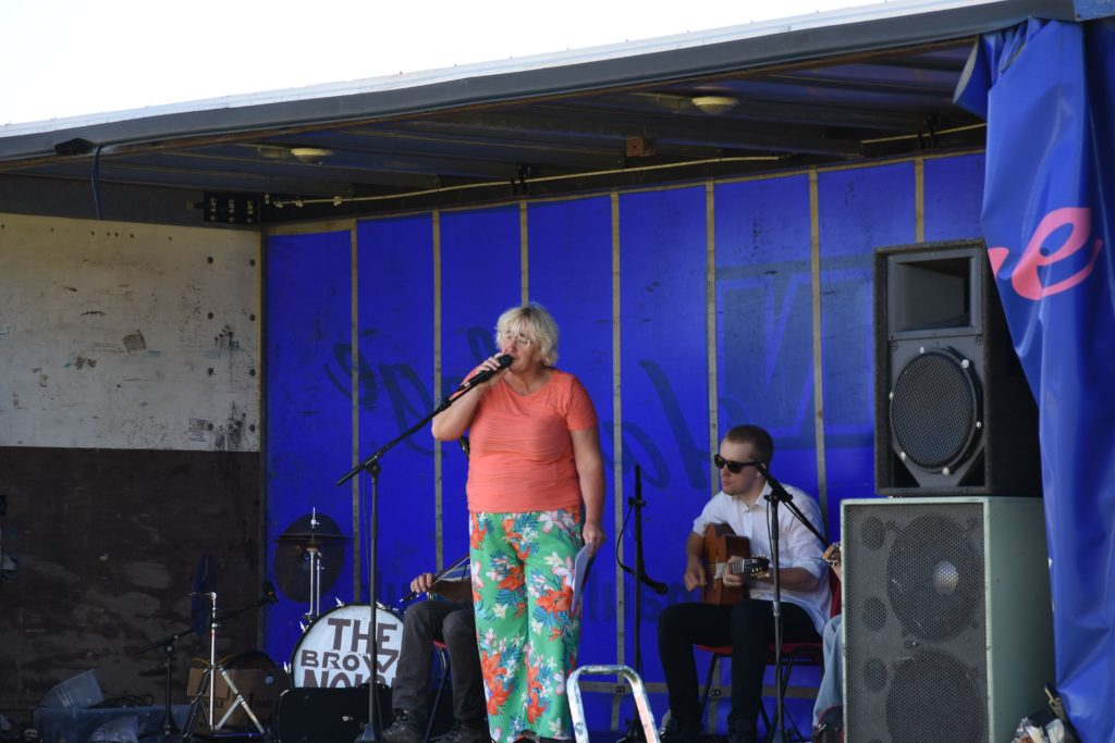Biff Simpson sets a relaxed summer tone with her smooth jazz singing.