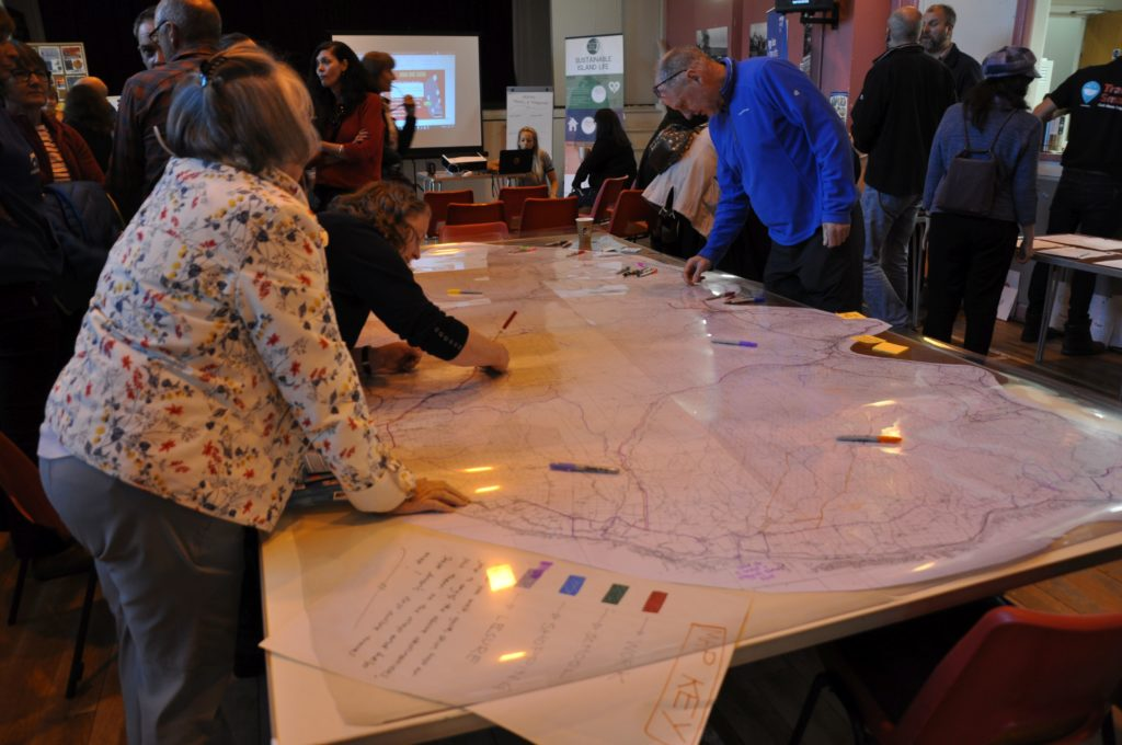 Councillor Ellen McMaster adds her thoughts to the map.