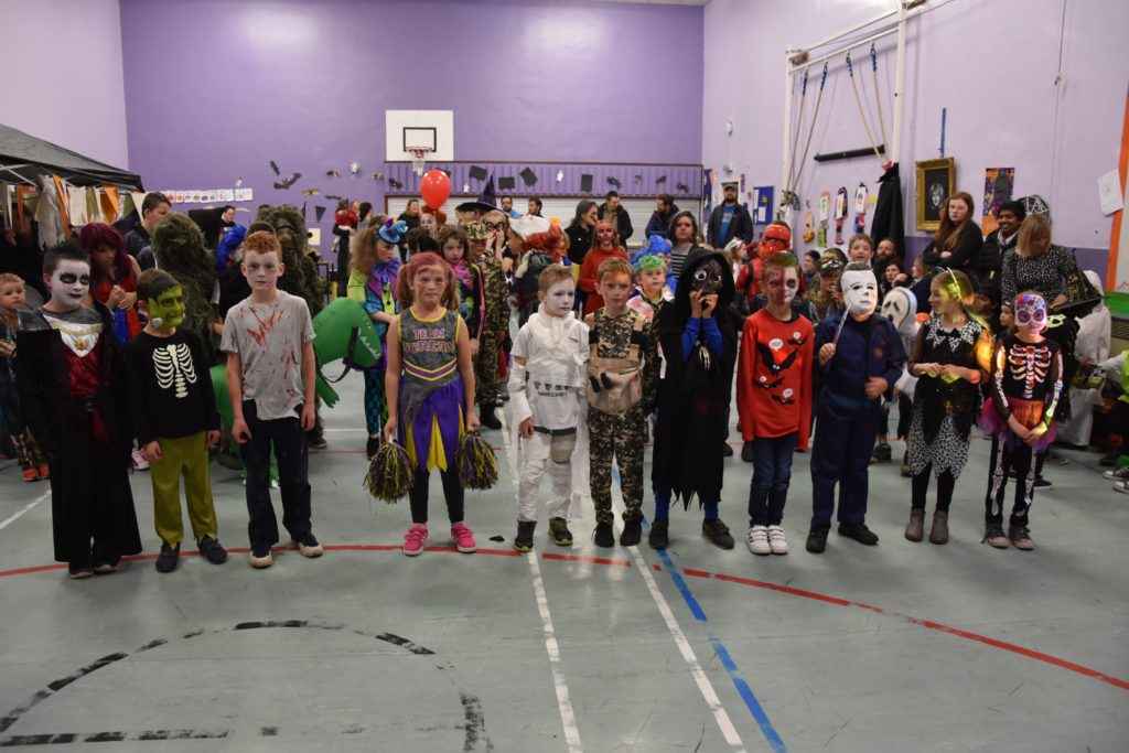Lamlash P4 pupils line up for the best dressed competition.