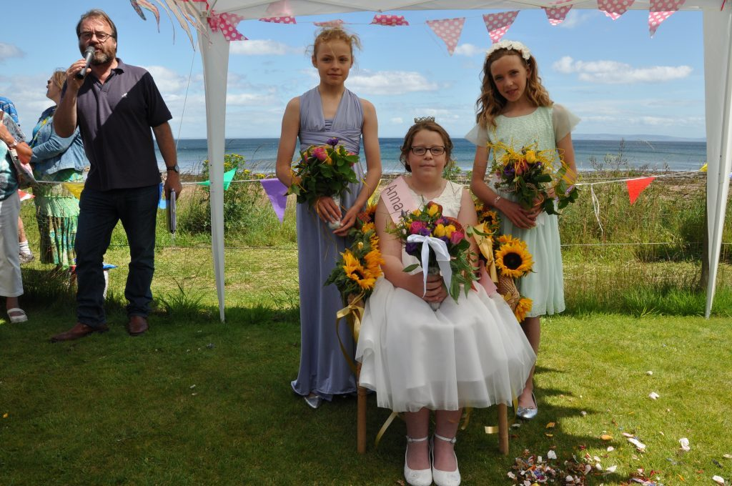 The sun shines as Anna is crowned new Bay Queen