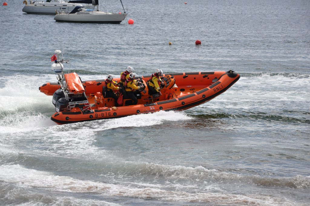 Lifeboat rescues injured cyclist