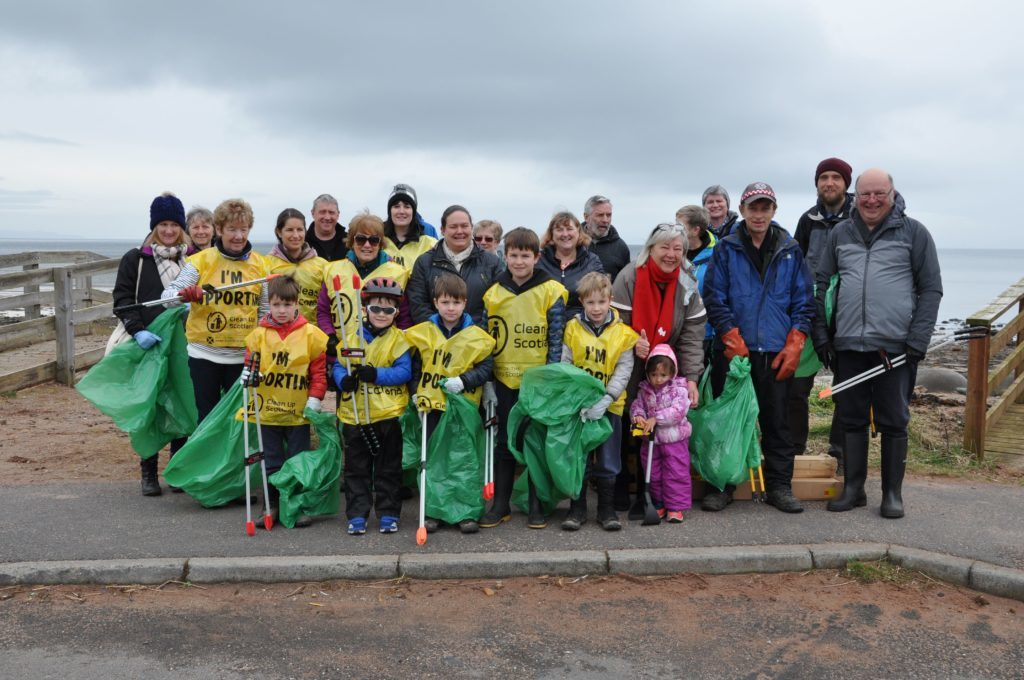 Volunteers rally for the big Brodick beach clean up