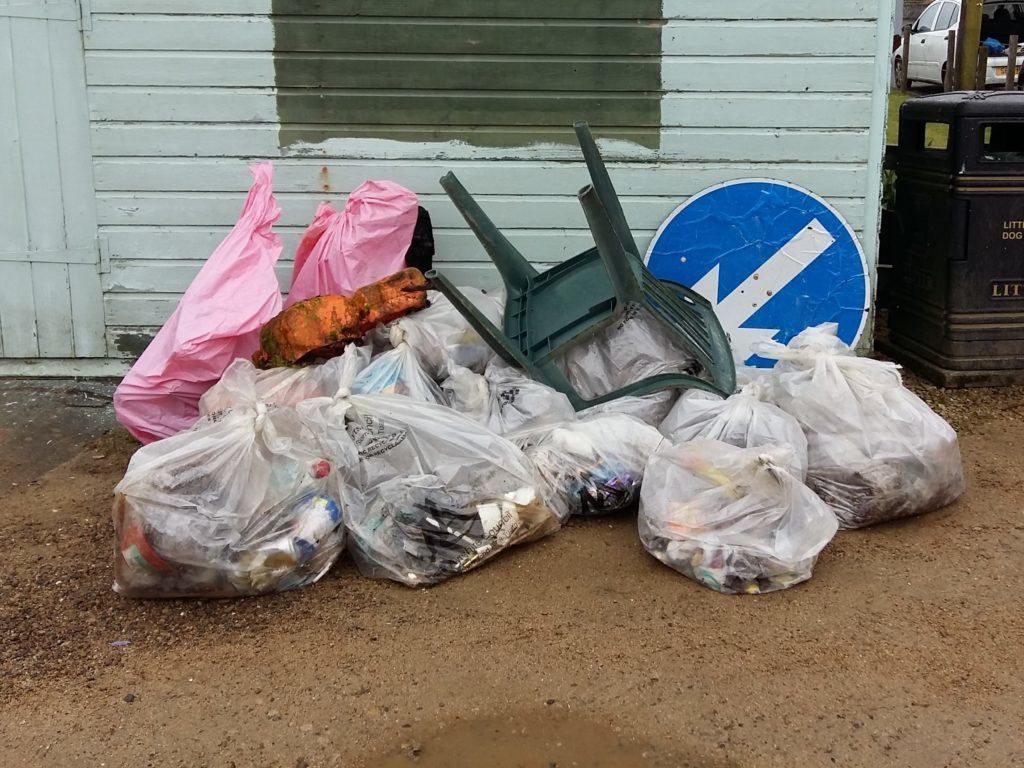 Litter blitz in Whiting Bay