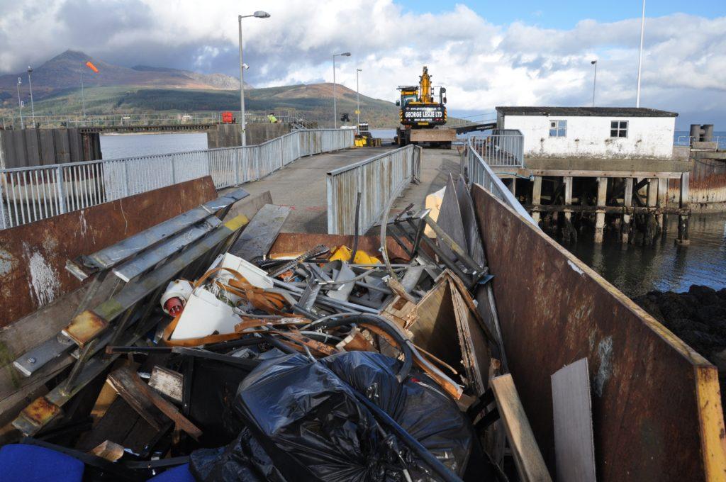 Work starts on dismantling old pier