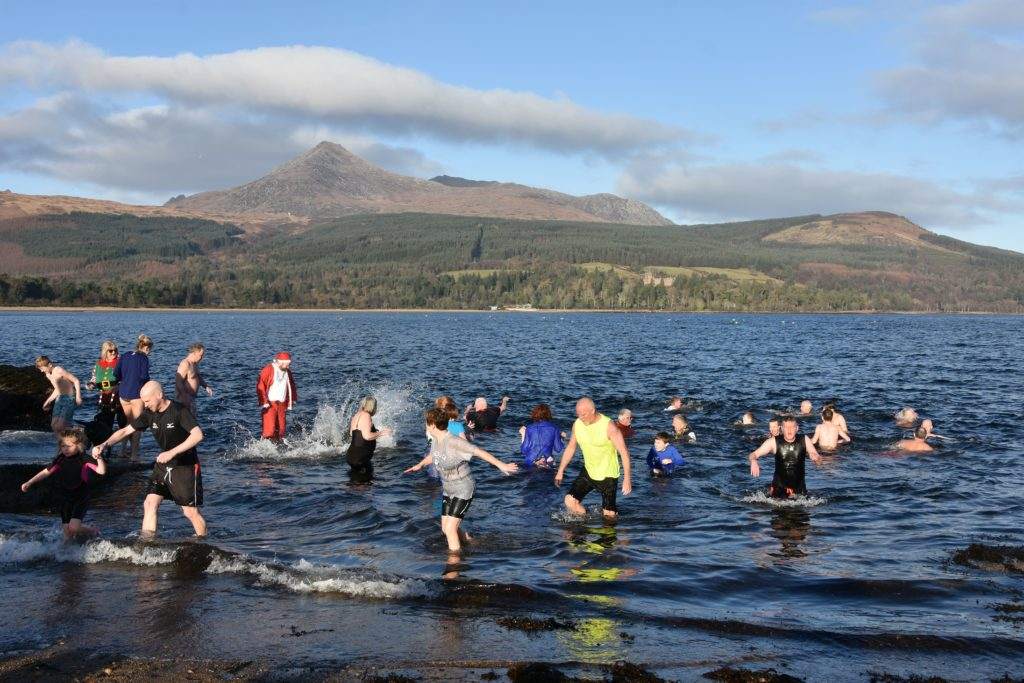 Dookers take the plunge in New Year's Day dips