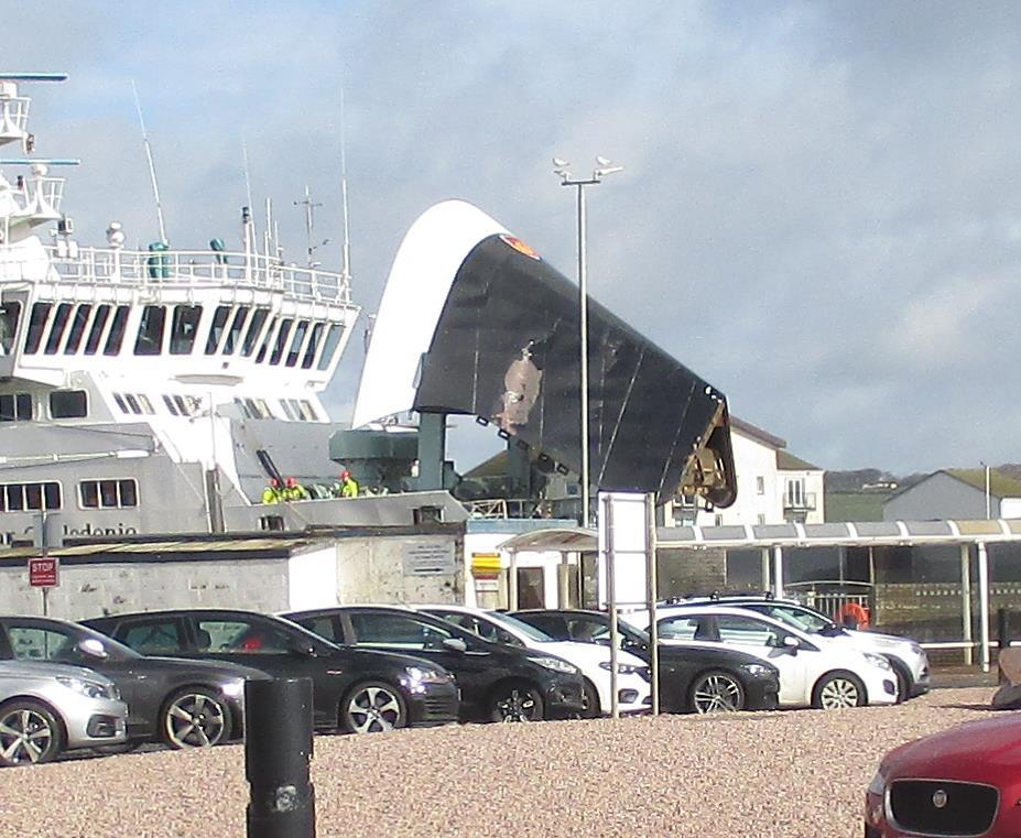 Arran ferry crash causes traffic chaos