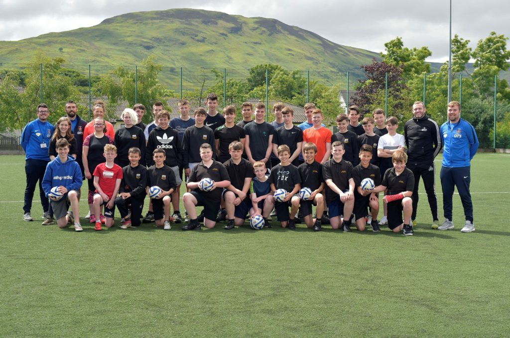 Former Scotland players coach Arran youngsters
