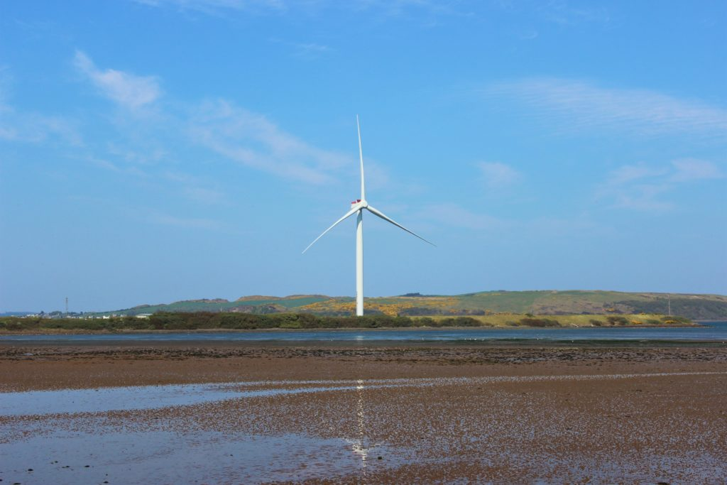 Giant Hunterston wind turbine to be blown up