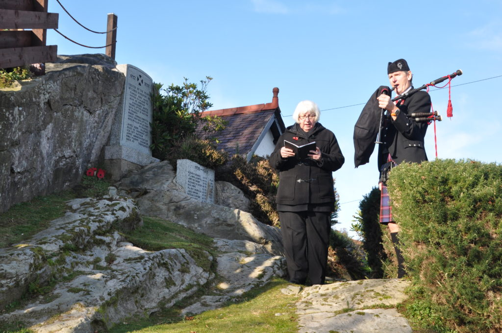 Pipers help Arran to remember